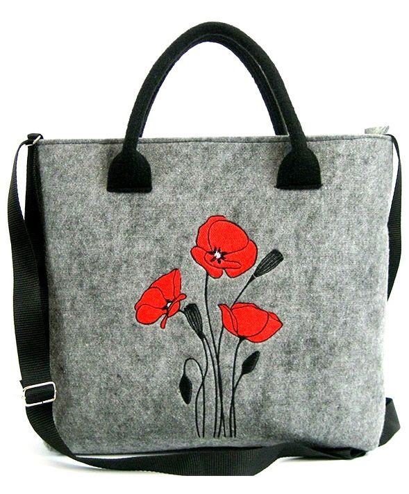Vysněná kabelka Love s pěkným motivem doladí Váš outfit. f464eb6f646